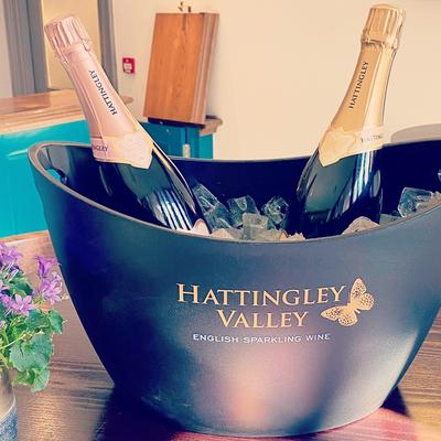 this is a photo of Hattingley English sparkling wine